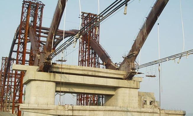 陕西汉中市桥闸工程横梁提升工程