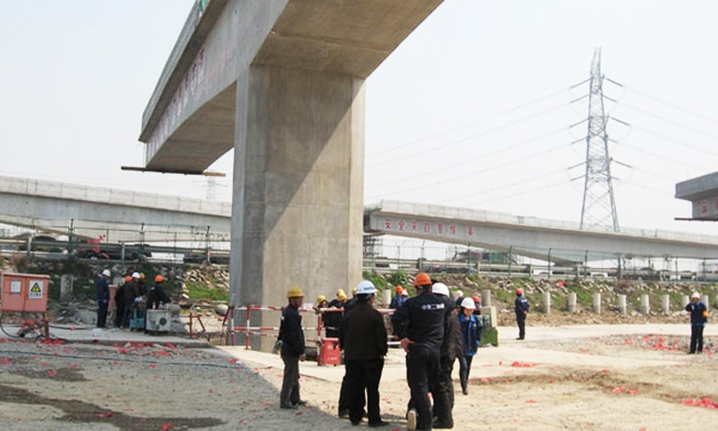 无锡市轨道交通1线桥转体工程(到位前)