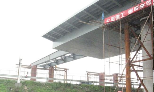 无锡惠澄大道跨线桥顶推工程