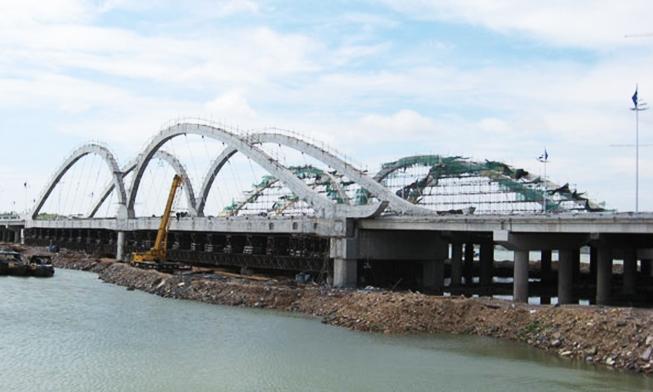 防城港倒水坳大桥吊杆索安装