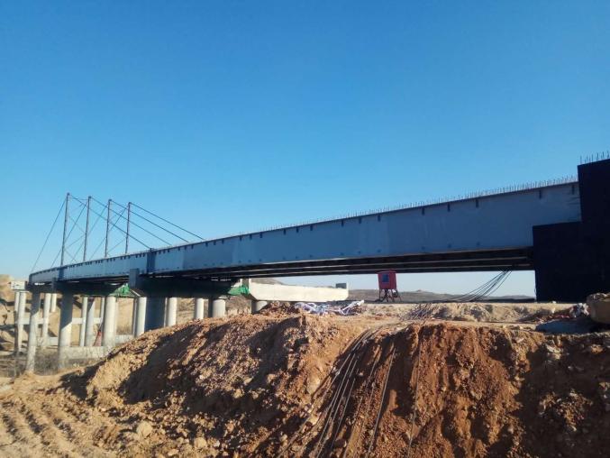 河北邢台钢构桥连续顶推工程